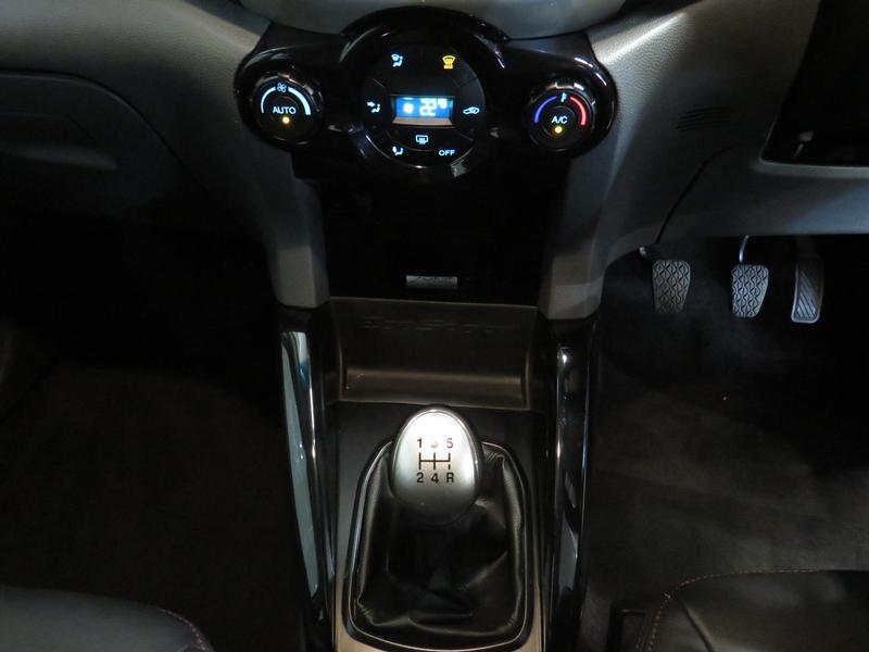Ford Ecosport 1.5 Tdci Titanium Image 11