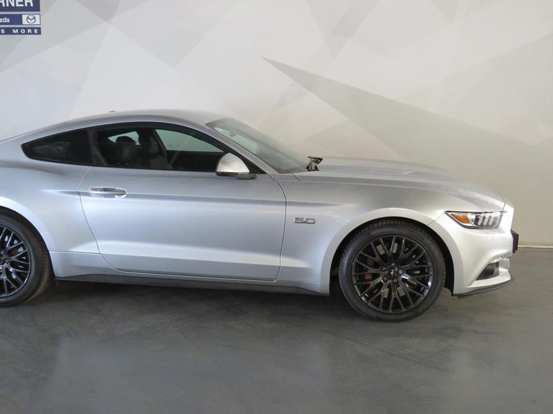 Ford Mustang 5.0 Gt Fastback Image 4