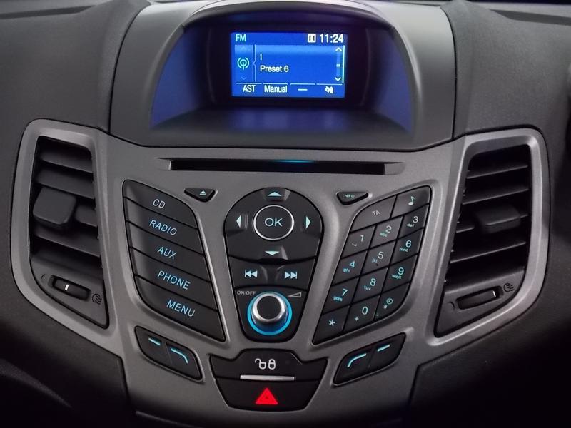 Ford Fiesta 1.5 Tdci Ambiente Image 10