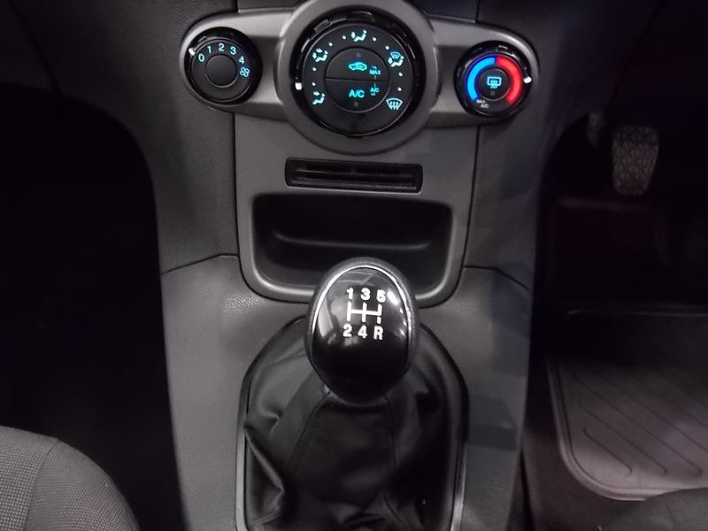 Ford Fiesta 1.5 Tdci Ambiente Image 11