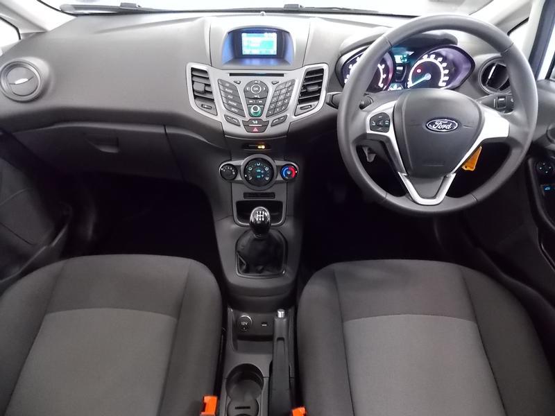Ford Fiesta 1.5 Tdci Ambiente Image 13