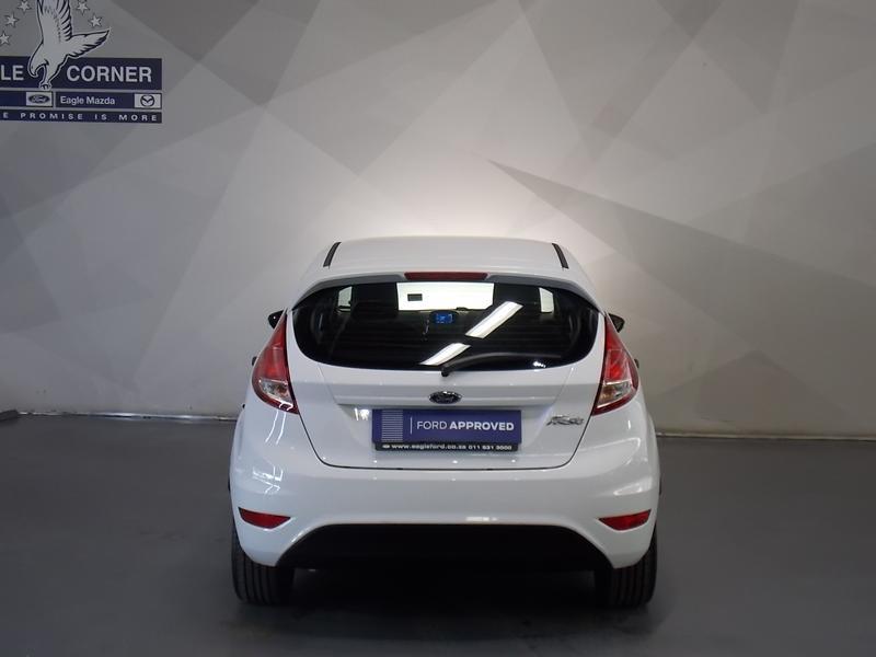 Ford Fiesta 1.5 Tdci Ambiente Image 18