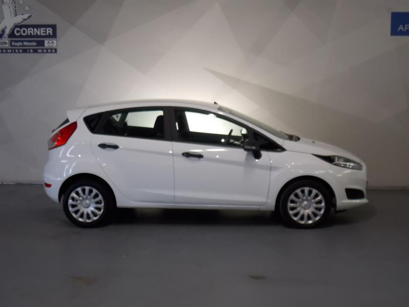 Ford Fiesta 1.5 Tdci Ambiente Image 2