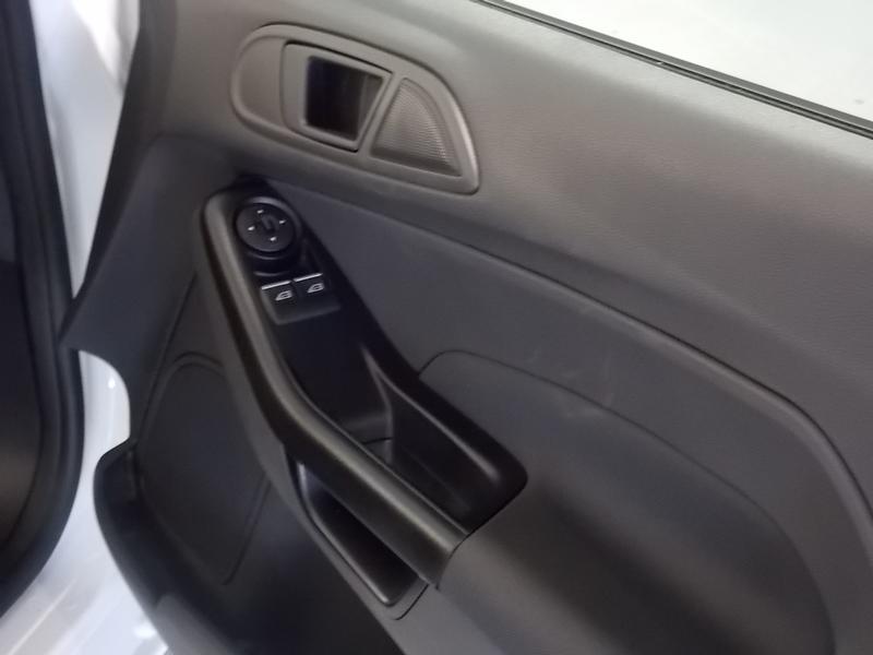 Ford Fiesta 1.5 Tdci Ambiente Image 6