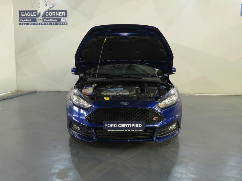 Ford Focus St 2.0 Ecoboost St1 Image 17