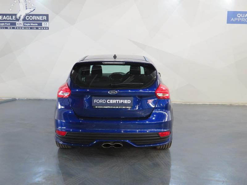 Ford Focus St 2.0 Ecoboost St1 Image 18