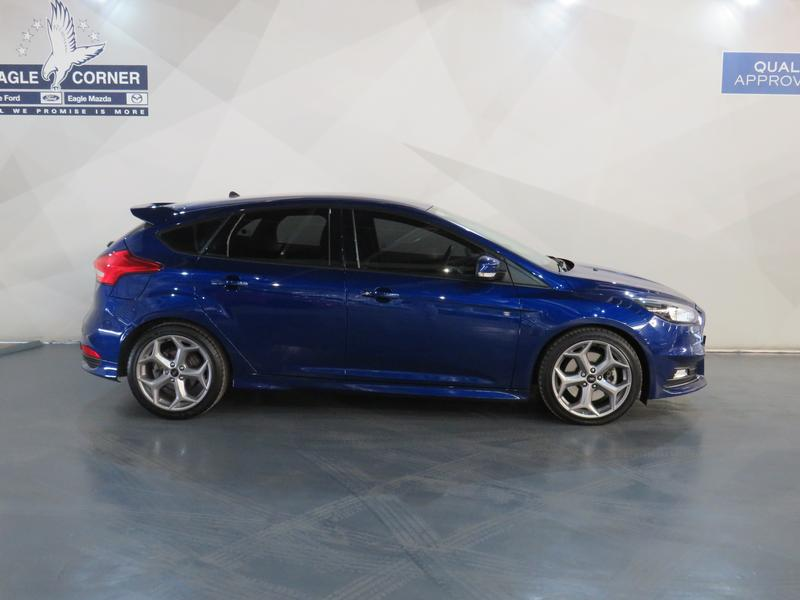 Ford Focus St 2.0 Ecoboost St1 Image 2