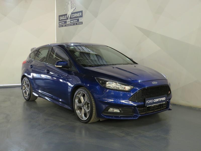 Ford Focus St 2.0 Ecoboost St1 Image 3