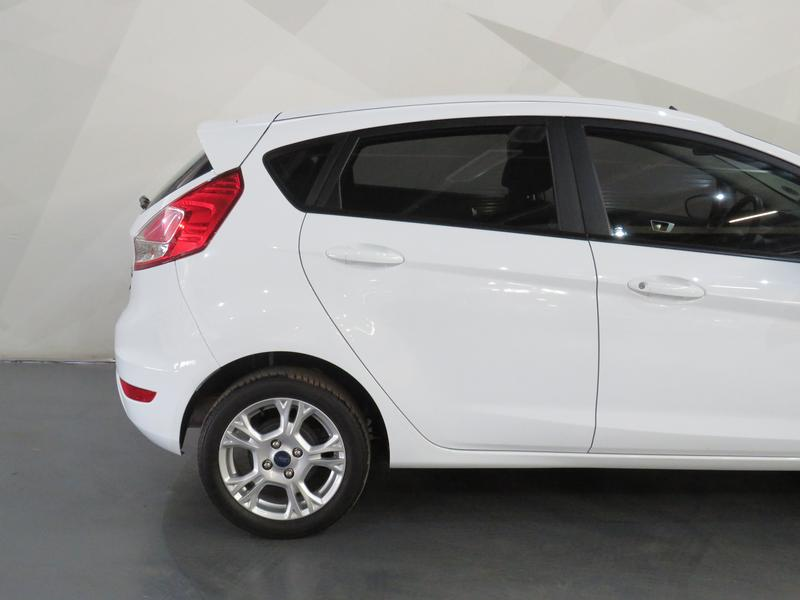 Ford Fiesta 1.0 Ecoboost Trend Esp Image 5