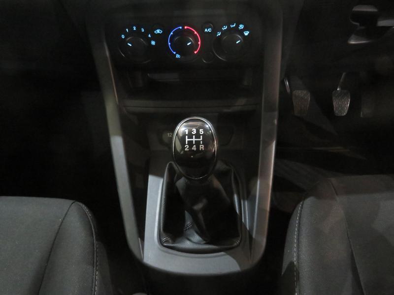 Ford Figo 1.5 Ambiente 5-Door Image 11