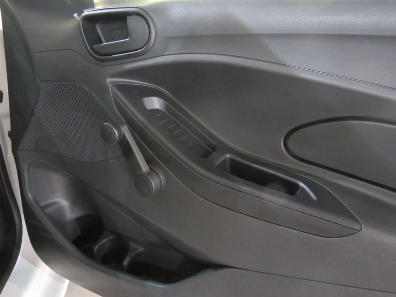 Ford Figo 1.5 Ambiente 5-Door Image 6