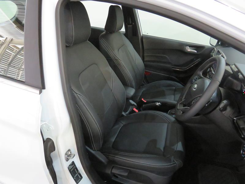 Ford Fiesta 1.0 Ecoboost Titanium At Image 8