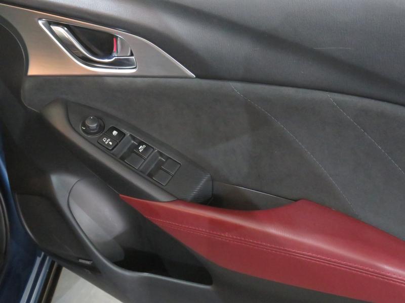 Mazda CX-3 2.0 Individual Plus At Image 6