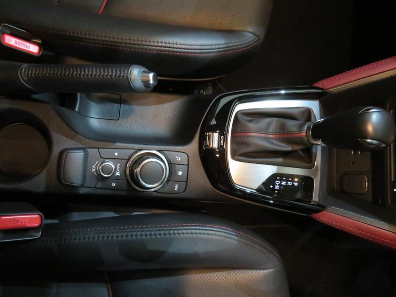 Mazda CX-3 2.0 Individual Plus At Image 9