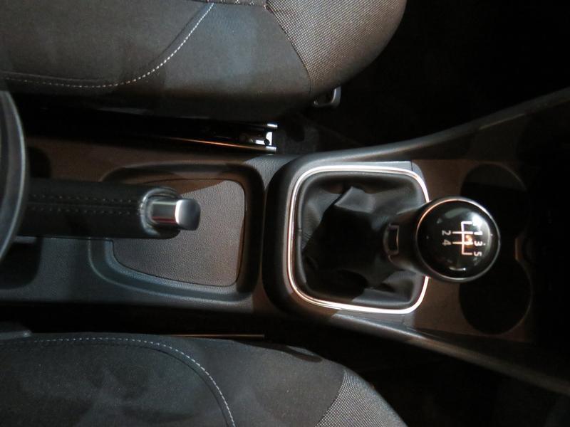 Volkswagen Polo 1.2 Tsi Comfortline Image 9