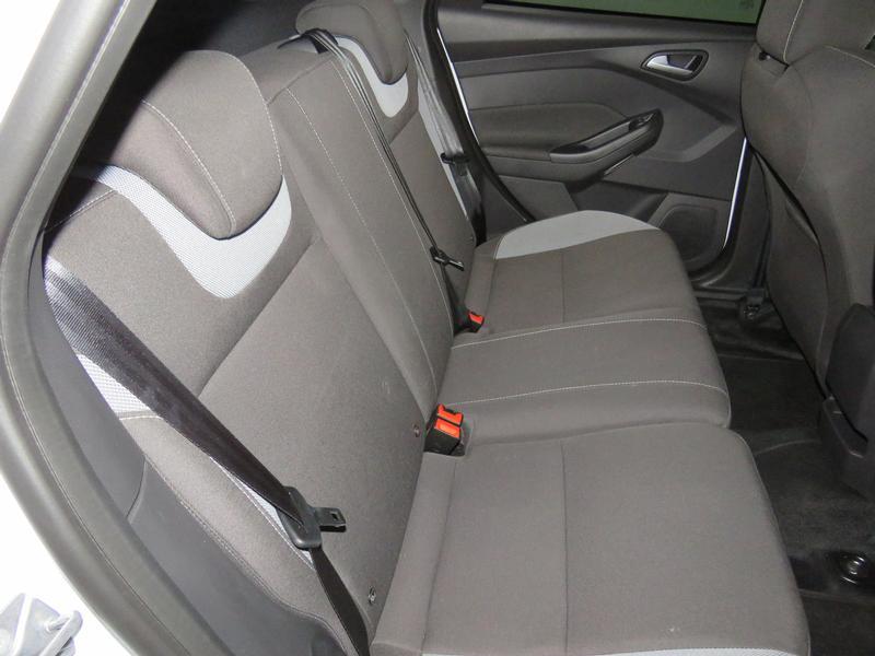 Ford Focus St 2.0 Ecoboost St1 Image 15