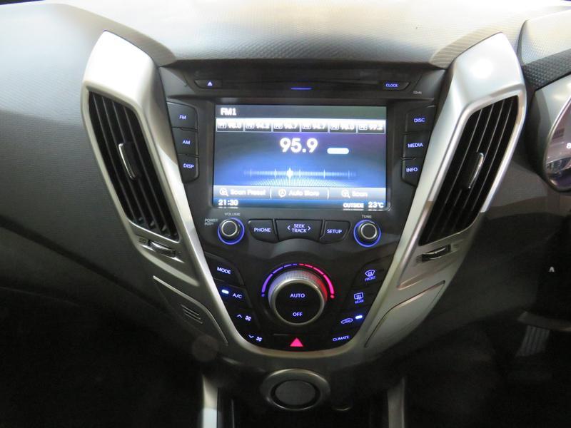 Hyundai Veloster 1.6 Gdi Executive At Image 10