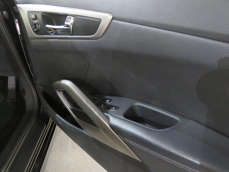 Hyundai Veloster 1.6 Gdi Executive At Image 6