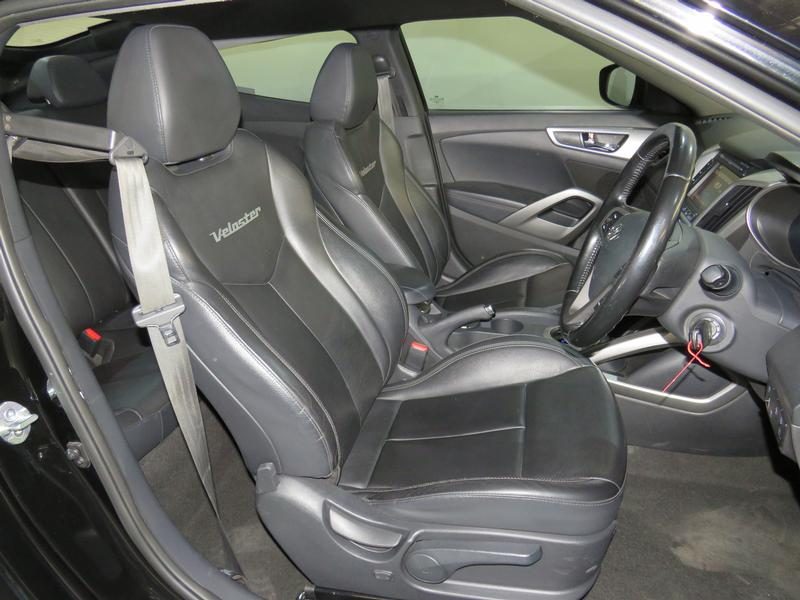Hyundai Veloster 1.6 Gdi Executive At Image 8