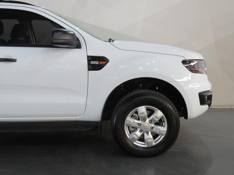 Ford Everest 2.2 Tdci Xls Image 4