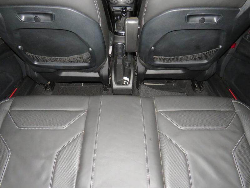Ford B-Max 1.0 Ecoboost Titanium Image 14