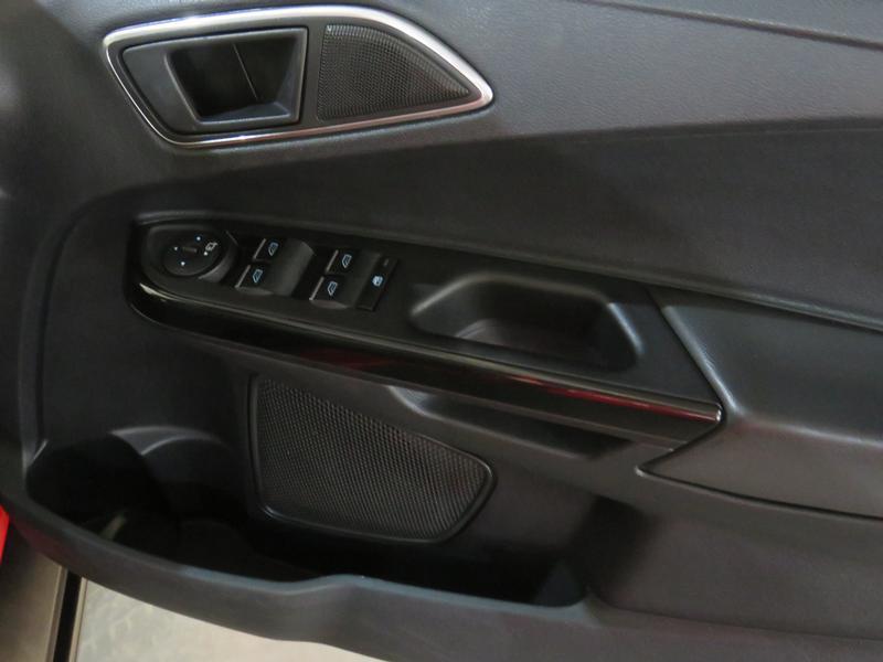 Ford B-Max 1.0 Ecoboost Titanium Image 6