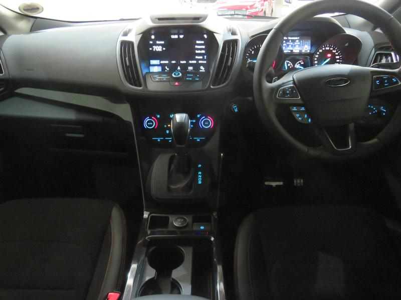 Ford Kuga 2.0 Tdci St-Line Awd At Image 12