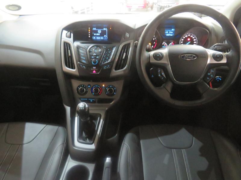 Ford Focus 2.0 Gdi Trend 5-Door Image 13