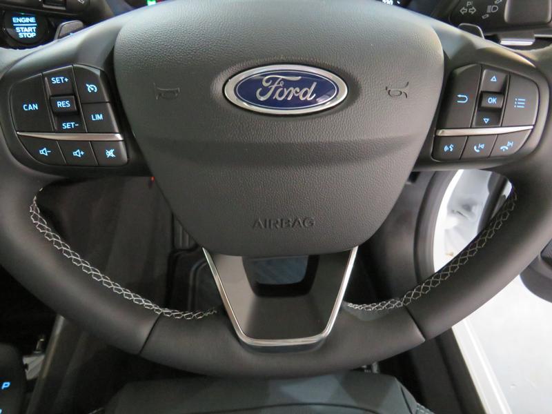 Ford Fiesta 1.0 Ecoboost Titanium At Image 12