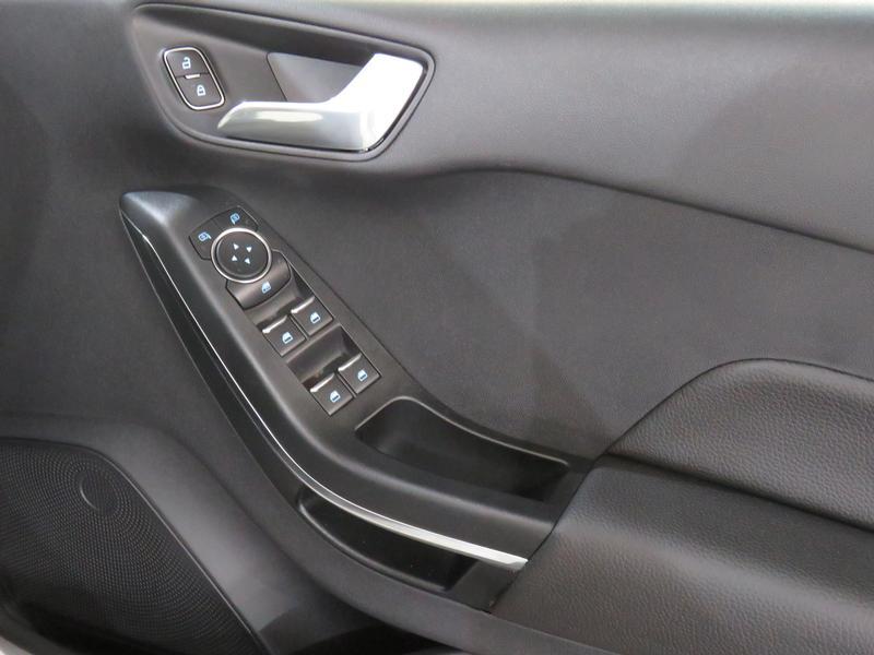 Ford Fiesta 1.0 Ecoboost Titanium At Image 6