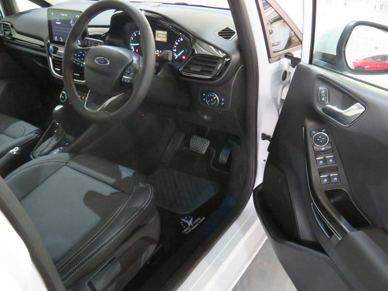Ford Fiesta 1.0 Ecoboost Titanium At Image 7