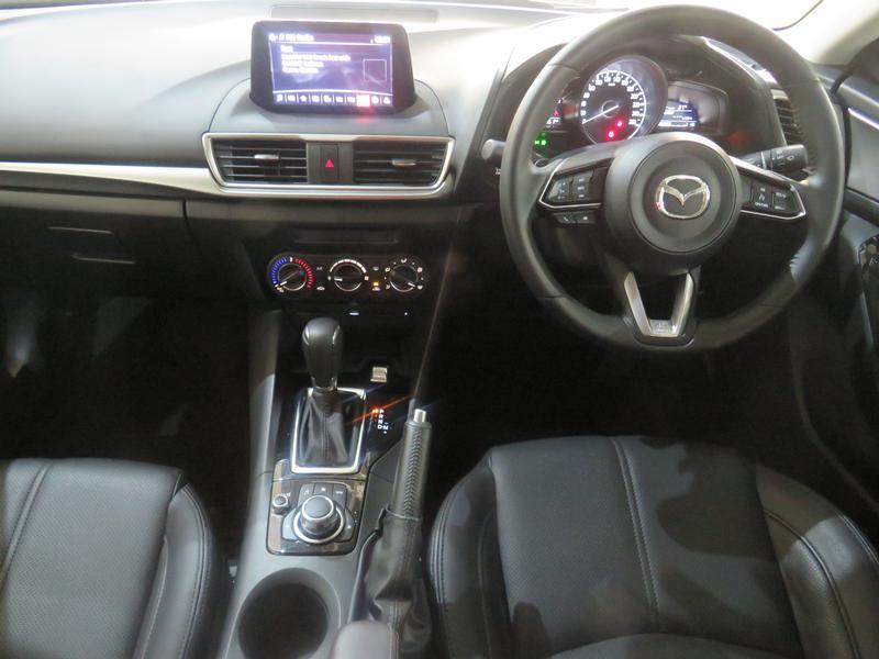 Mazda 3 2.0 Individual 5-Door At Image 13