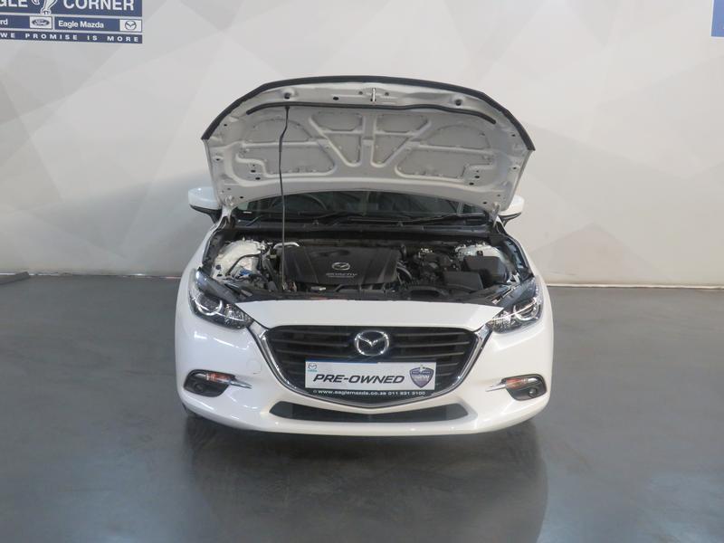 Mazda 3 2.0 Individual 5-Door At Image 17