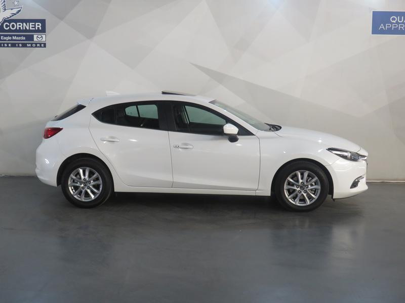 Mazda 3 2.0 Individual 5-Door At Image 2