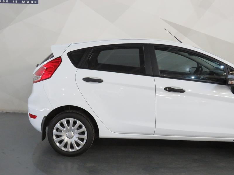 Ford Fiesta 1.0 Ecoboost Ambiente Image 4