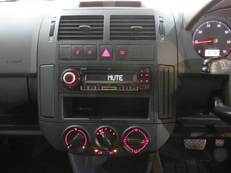 Volkswagen Polo Vivo Hatch 1.4 Trendline Tiptronic Image 10