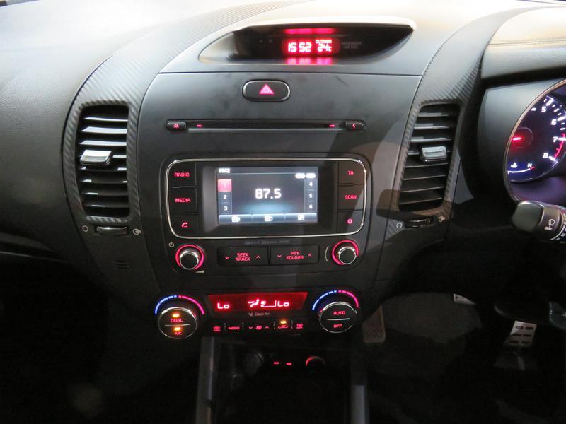 Kia Cerato 2.0 Sx 4-Door At Image 10