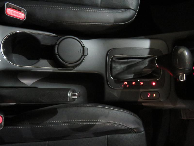 Kia Cerato 2.0 Sx 4-Door At Image 9