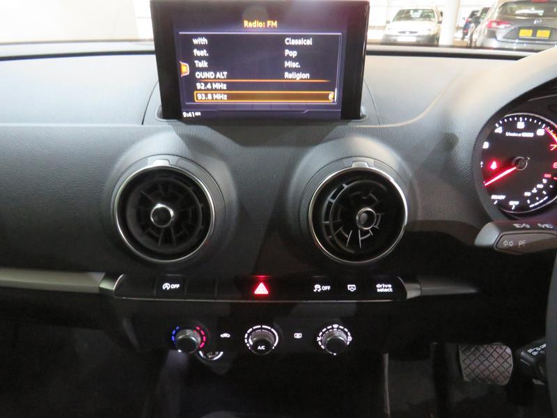 Audi A3 Sedan 1.0 Tfsi S-Tronic Image 10