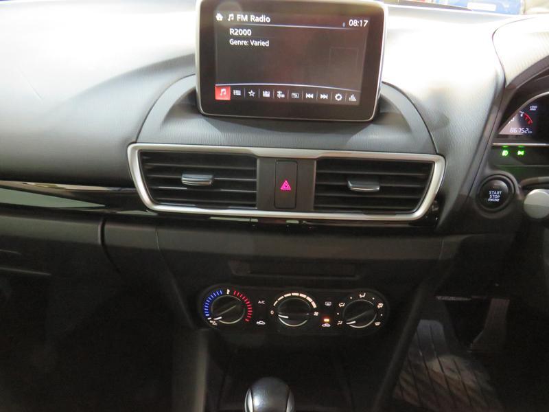 Mazda 3 1.6 Dynamic 4-Door At Image 10