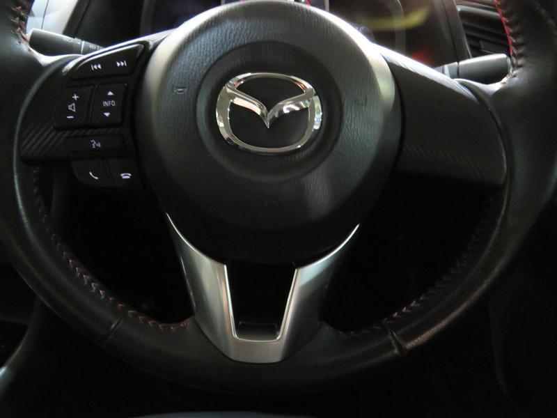 Mazda 3 1.6 Dynamic 4-Door At Image 12