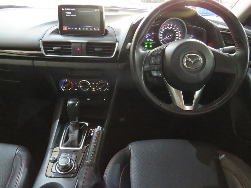 Mazda 3 1.6 Dynamic 4-Door At Image 13