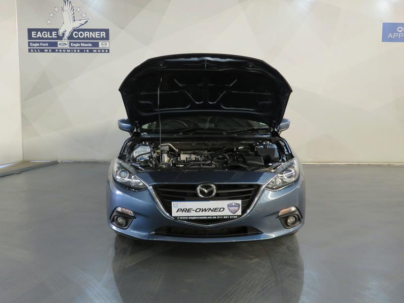 Mazda 3 1.6 Dynamic 4-Door At Image 17
