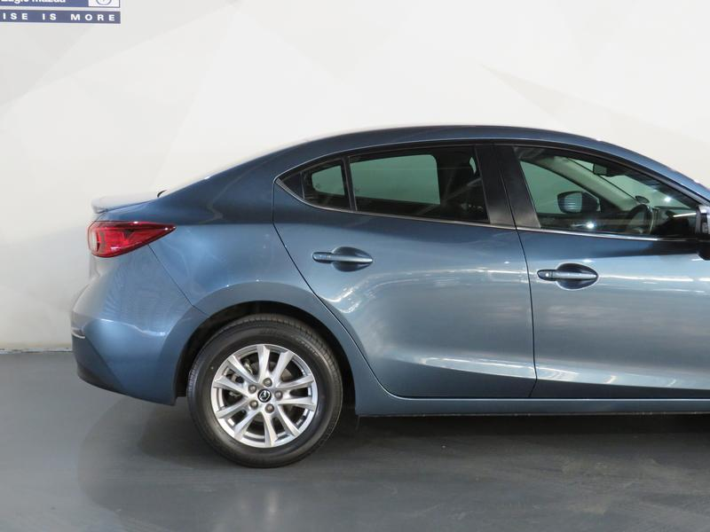 Mazda 3 1.6 Dynamic 4-Door At Image 5