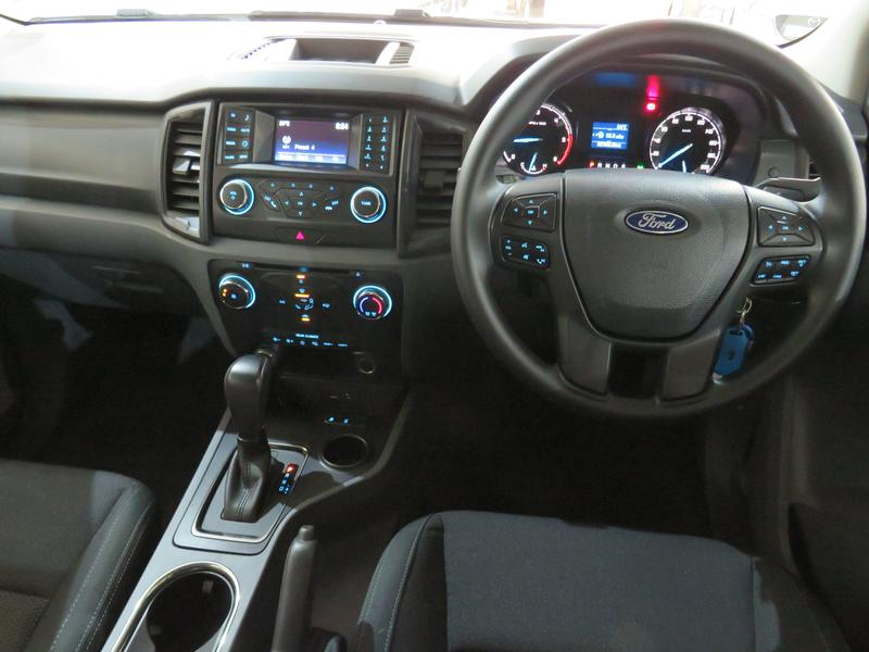 Ford Everest 2.2 Tdci Xls At Image 13