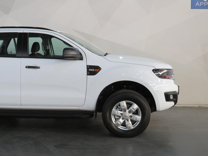 Ford Everest 2.2 Tdci Xls At Image 4