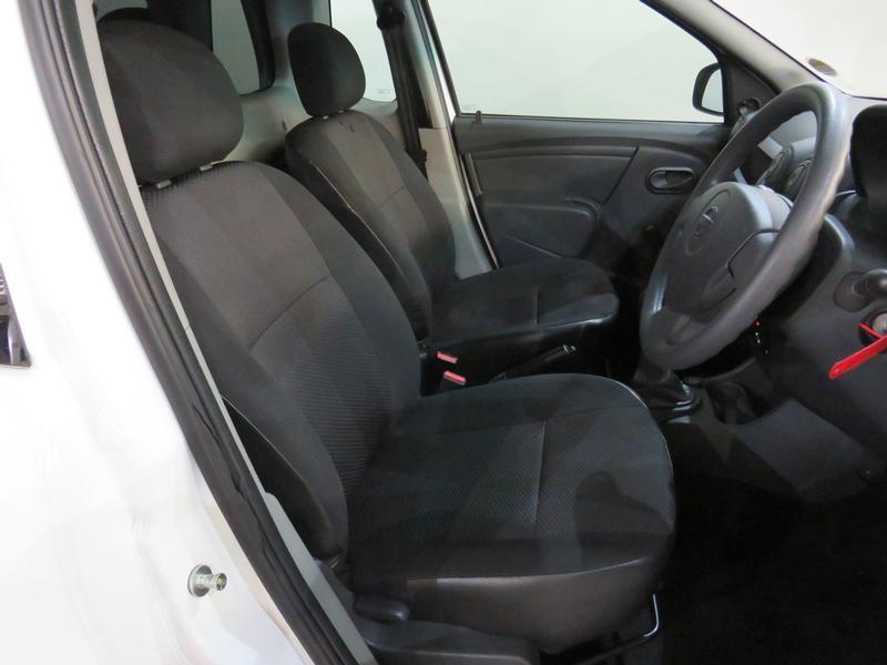 Nissan NP200 1.6 8V Image 8