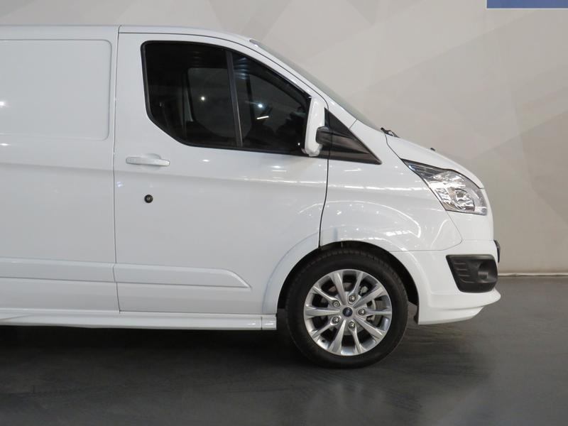 Ford Transit Custom 2.2 Tdci Sport Swb Image 4