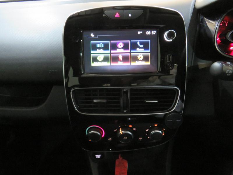 Renault Clio 4 0.8 Turbo Dynamique Image 11