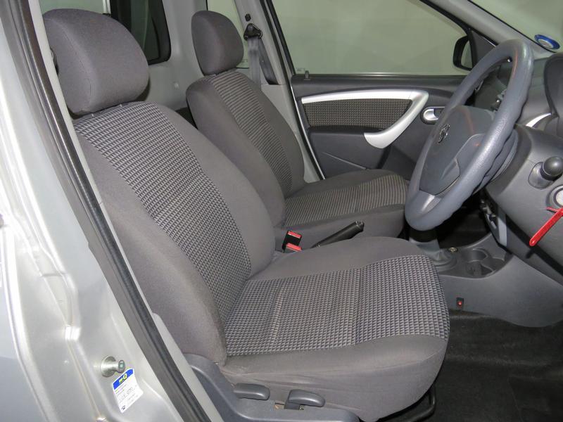 Nissan NP200 1.6 16V Se Image 8